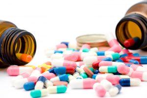 medicament-pilules-bacteries