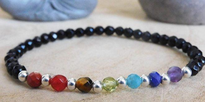 Les différentes pierres naturelles dans un bracelet 7 chakras